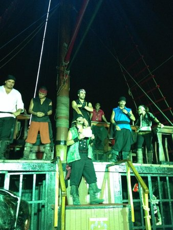 Pirate Ship Vallarta: Dancing pirates