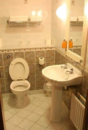 The Oakwood Hotel : Bathroom
