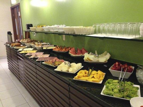 Acapulco Copacabana: Fruit/Meats/Bread selection