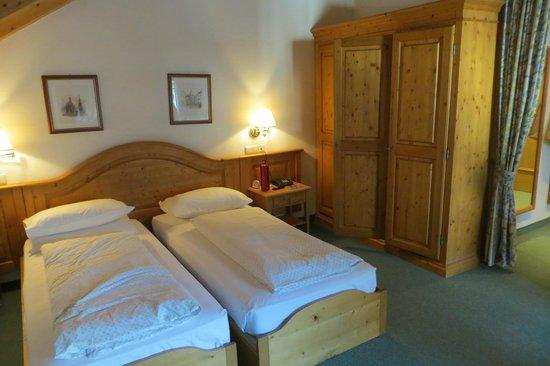 Sporthotel Tyrol Dolomites : camera