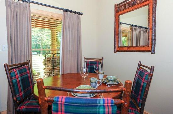 Dancing Bear Lodge: LeConte Dining Area