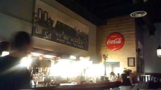 Columbus: Il bar