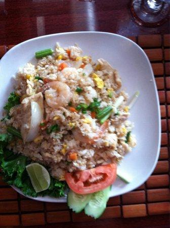 Basil Thai & Sushi: Thai fried rice
