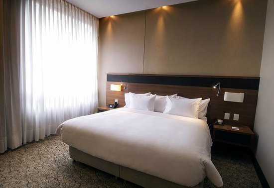 DoubleTree by Hilton Hotel Bogotá - Parque 93: habitacion junior suite