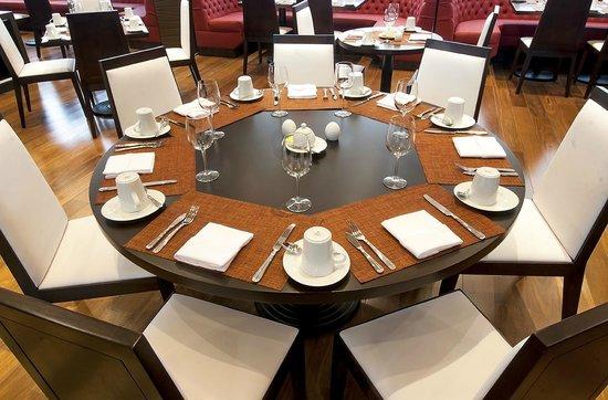 DoubleTree by Hilton Hotel Bogota - Parque 93: restaurante Agata
