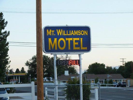 Mt. Williamson Motel: motel sign