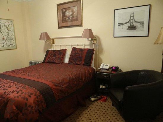Andrews Hotel: Quarto