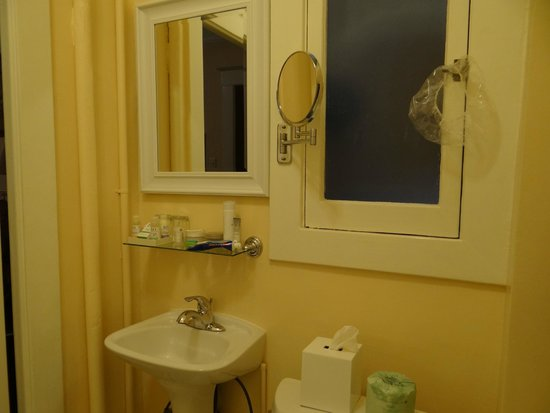 Andrews Hotel: Banheiro