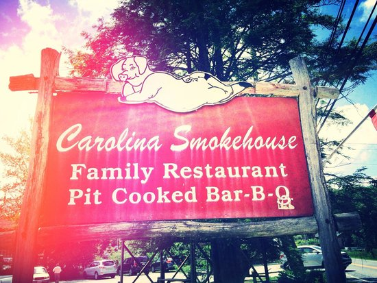 Carolina Smokehouse : -