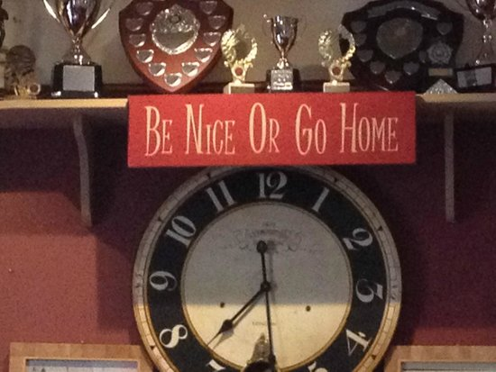 Kirkmichael Hotel: Our kind of Bar