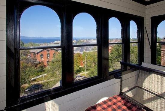 Made INN Vermont, an Urban-Chic Bed and Breakfast : Exclusive 5-Star First Class Burlington VT Hotel B&B, Near Harbor & BTV   Pet & Child Friendly