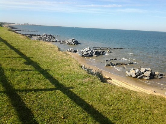 Hopton Holiday Park - Haven: beach conservation work