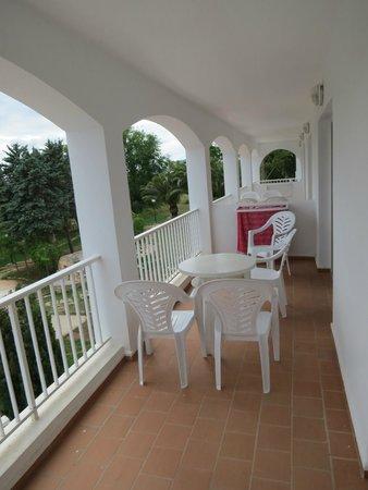 Ola Apartamentos Es Ravells D'Or: Balcony