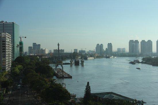 Renaissance Riverside Hotel Saigon: View from executive lounge