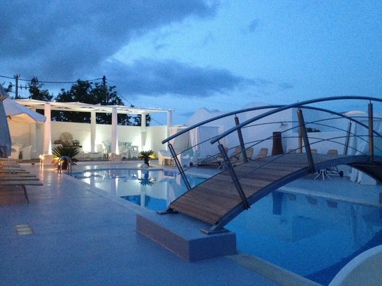 Aressana Spa Hotel and Suites: Pool Area
