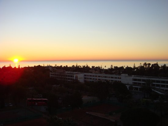 Sol Marbella Estepona Atalaya Park by Melia: levé du soleil de n otre chambre