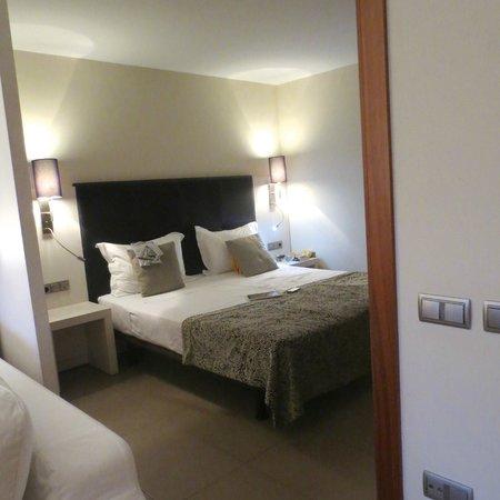 Up Suites Bcn: El dormitorio