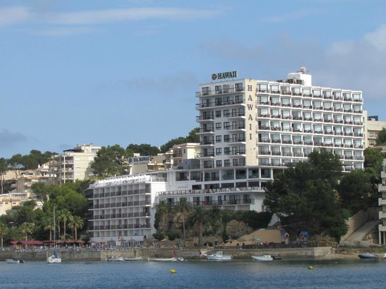 Intertur Hotel Hawaii Mallorca & Suites: Looking back from Palma Nova beach