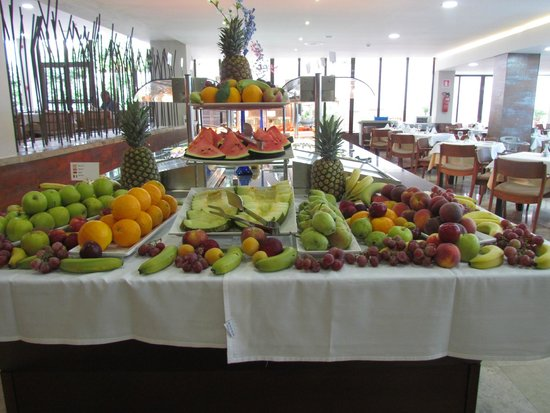 Alua Hawaii Mallorca & Suites: Fresh Fruit anyone!
