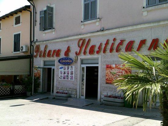 Hotel Laguna Mediteran: Porec local bakery open 24 hours