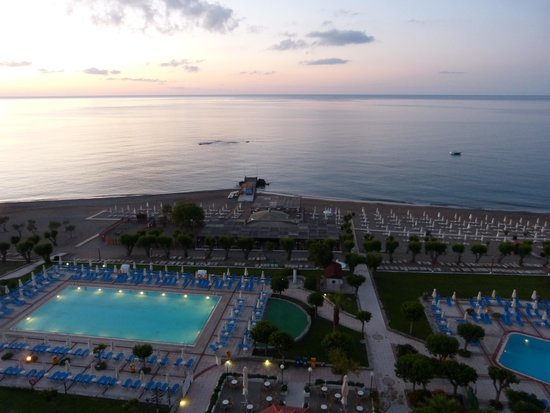 Louis Colossos Beach Hotel: Dawn from the 7th Floor