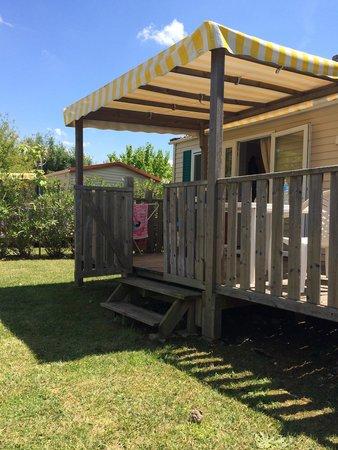 Camping Le Soleil Fruité : Des équipements tout neufs sur des équipements spacieux.