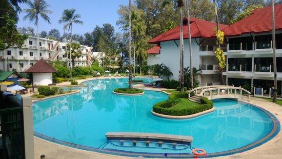 Amora Beach Resort: Вид с балкона