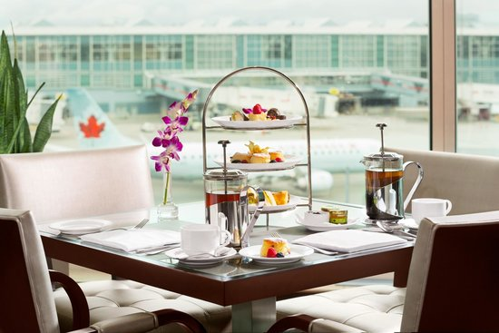 Fairmont Vancouver Airport : Afternoon Tea at Globe@YVR