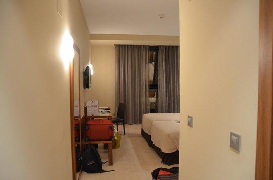 Sercotel Hotel Gran Bilbao: Into the room