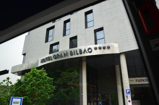 Sercotel Hotel Gran Bilbao: Hotel Entrance