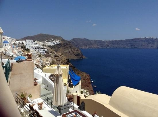 Lucky Homes - Oia : view from the terrace home 1