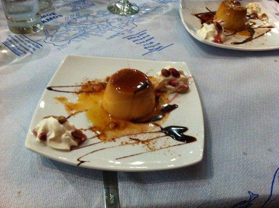 Ambrosia Restaurant - Pizzeria: Kjempegod hjemmelaget karamellpudding