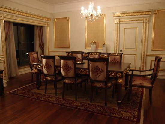Crowne Plaza Istanbul Asia : the dining part of the great room