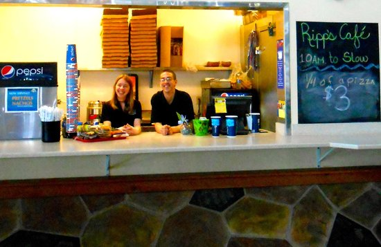 Big Horn Resort: Ripp's Cafe in The Reef Indoor Waterpark