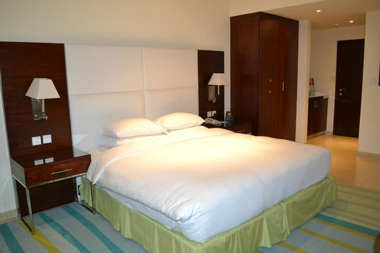 Hilton Dubai The Walk: amplia cama