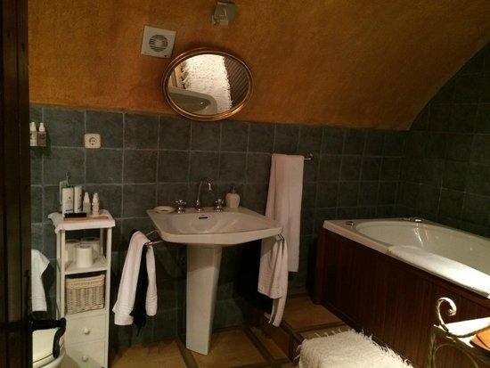 Las Moradas del Unicornio: Bathroom