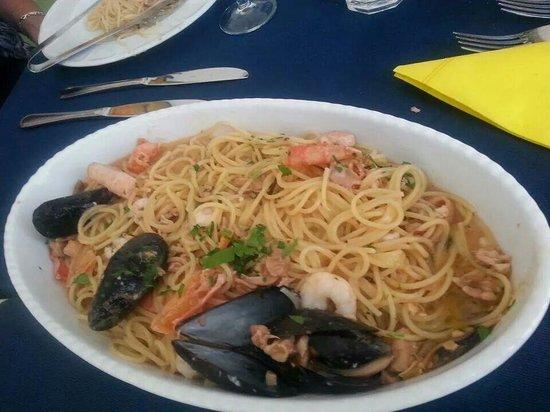 Il Giardino dei Sapori: Pasta met verse zeevruchten.