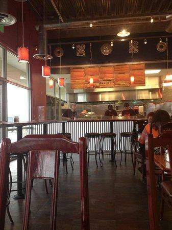 Xalos Mexican Grill: Open kitchen