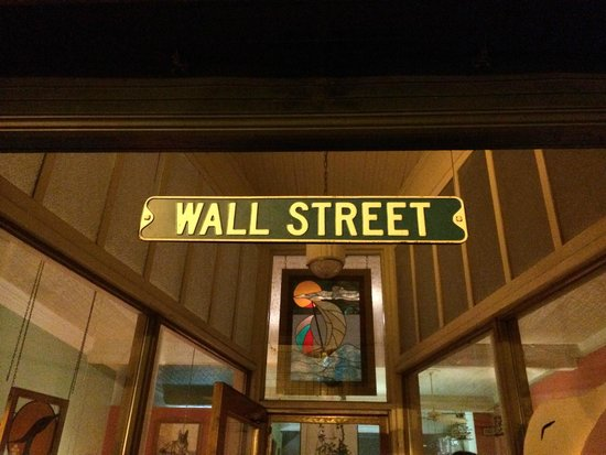 Wall Street Gallery & Bistro