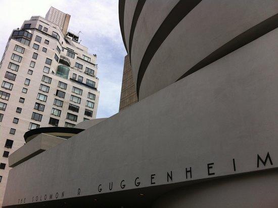 Solomon R. Guggenheim Museum: Vista externa do museu
