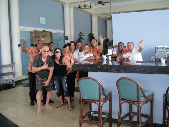 Grand Palladium Jamaica Resort & Spa: very good and happy staff!!