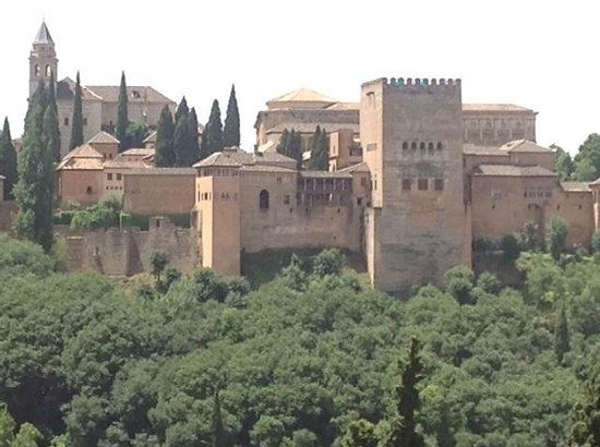 Solar Montes Claros: View of the Alhambra from the Saba decks