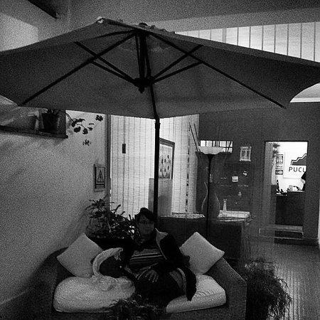 Pucllana Lodge: Mi Bella En Su Sala Patio