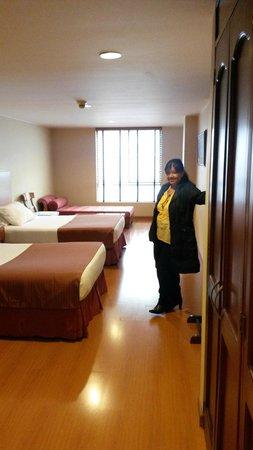 Hotel Estelar Suites Jones: Nuestra habitación 306.