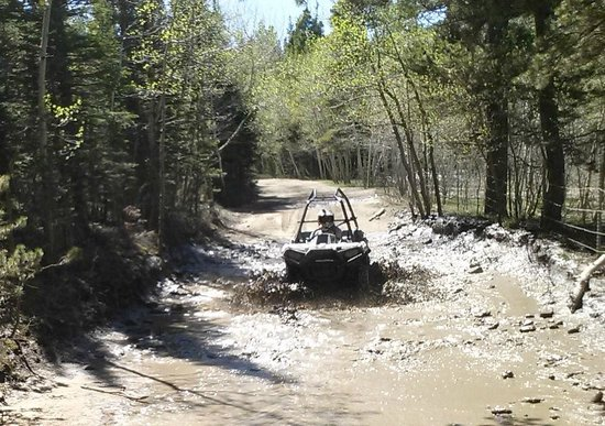 Backbone Adventures: Gettin' a little mud on the tires!