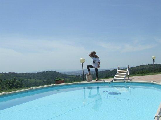Agriturismo La Meria: piscina vista dalla camera