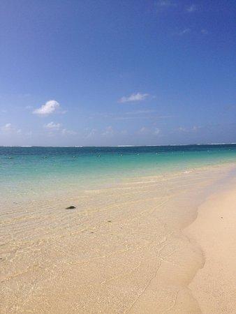 Ambre Resort & Spa : Belle Mare beach