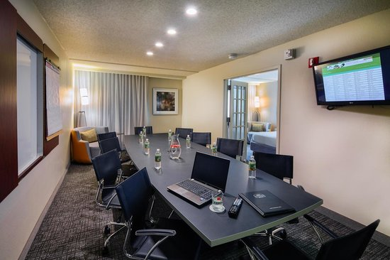 Courtyard Dallas DFW Airport North/Irving: Executive Boardroom Suite