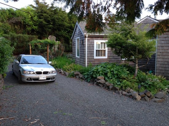 The Inn at Arch Cape : Parking for Unit 4
