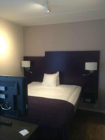 Hotel Finn: Sängen